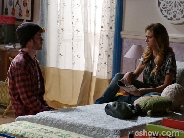 Pela cara da Sofia, você acha que ela aceita ou recusa o pedido de casamento? (Foto: Malhação/ TV Globo)