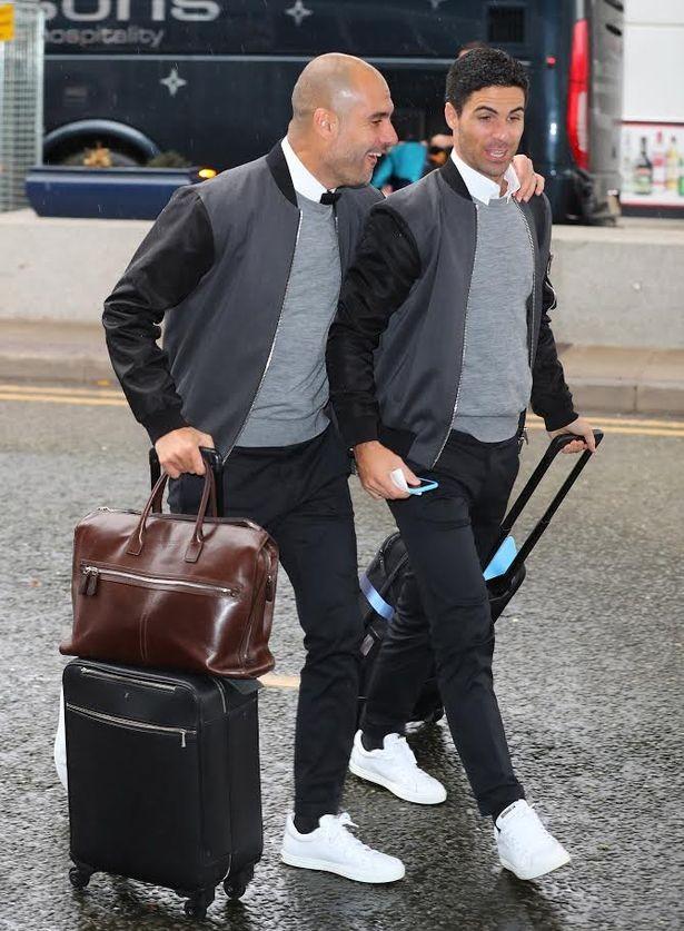 Pep Guardiola e Mikel Arteta Manchester City