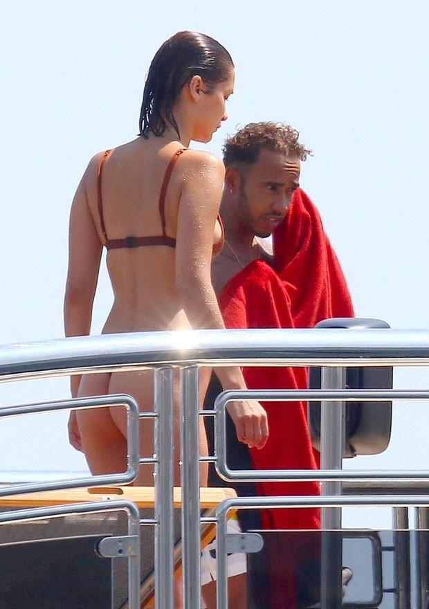 Lewis Hamilton e Bella Hadid (Foto: AKM/GSI)