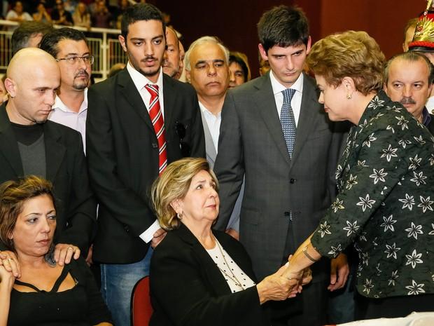 A presidente Dilma Roussef participa do velório do senador Luiz Henrique da Silveira em Joinville, Santa Catarina (Foto: Roberto Stuckert Filho/PR)