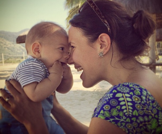 Juliana Knust e o caçula Arthur (Foto: Arquivo Pessoal)