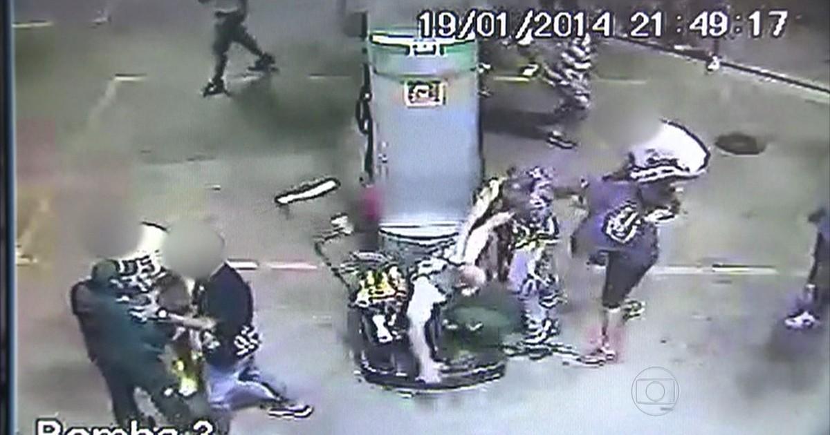 Câmeras mostram ação de vândalos em São Paulo