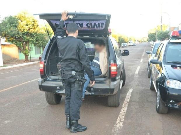 Operação deve cumprir também três mandados de prisão. (Foto: Tatiane Queiroz/G1 MS)