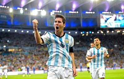 Messi comemora gol da Argentina x Bósnia (Foto: AFP)