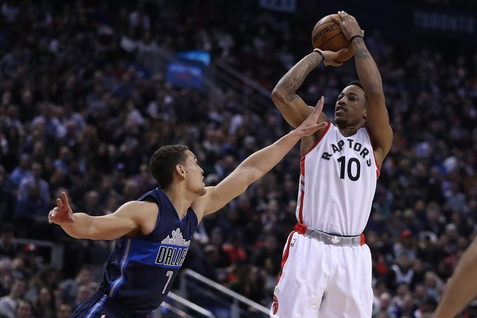 DeMar DeRozan no jogo entre Toronto Raptors e Dallas Mavericks (Foto: Getty Images)