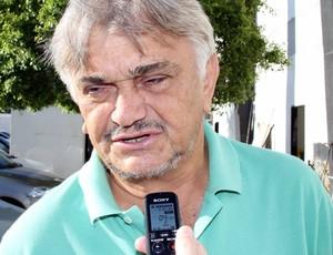José Wilton, diretor de futebol do Treze (Foto: Magnus Menezes / Jornal da Paraíba)