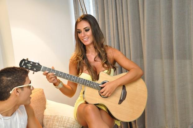 Nicole Bahls é musa de clipe (Foto: Divugação / Filipe Damasceno)
