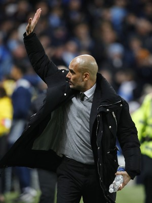 Guardiola Manchester City x Stoke City (Foto: Reuters)