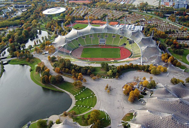 (Foto: reprodução / Wikimedia Commons / http://pt.wikipedia.org/wiki/Ficheiro:Olympiastadion_Muenchen.jpg)