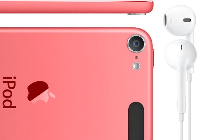 novo iPod Touch de 16 GB conta com câmera traseira com flash (Foto: Reprodução/Apple Store)