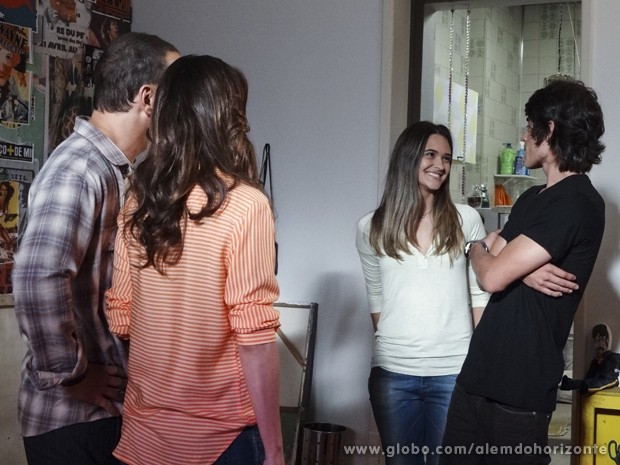 "Lili vira ""nova namorada"" de Rafa  (Foto: Além do Horizonte/TV Globo)"