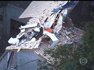 Peritos investigam causas de queda de helicóptero em São Paulo (Foto: Reprodução TV Globo)