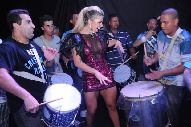 Andrea de Andrade na Vila Isabel (Foto: Diego Mendes / Divulgação)