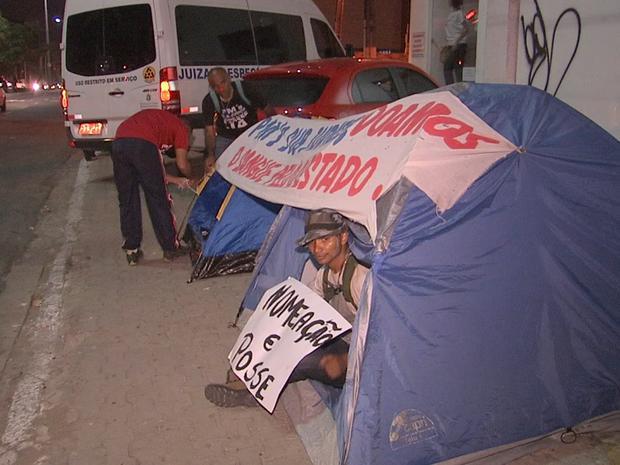 Policiais protestam por nomeação (Foto: TV Verdes Mares/Reprodução)