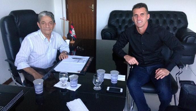 Raimundo Viana; Vagner Mancini; Vitória (Foto: Divulgação/EC Vitória)