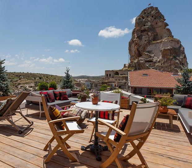 Conheça os luxuosos hotéis dentro de cavernas na Capadócia