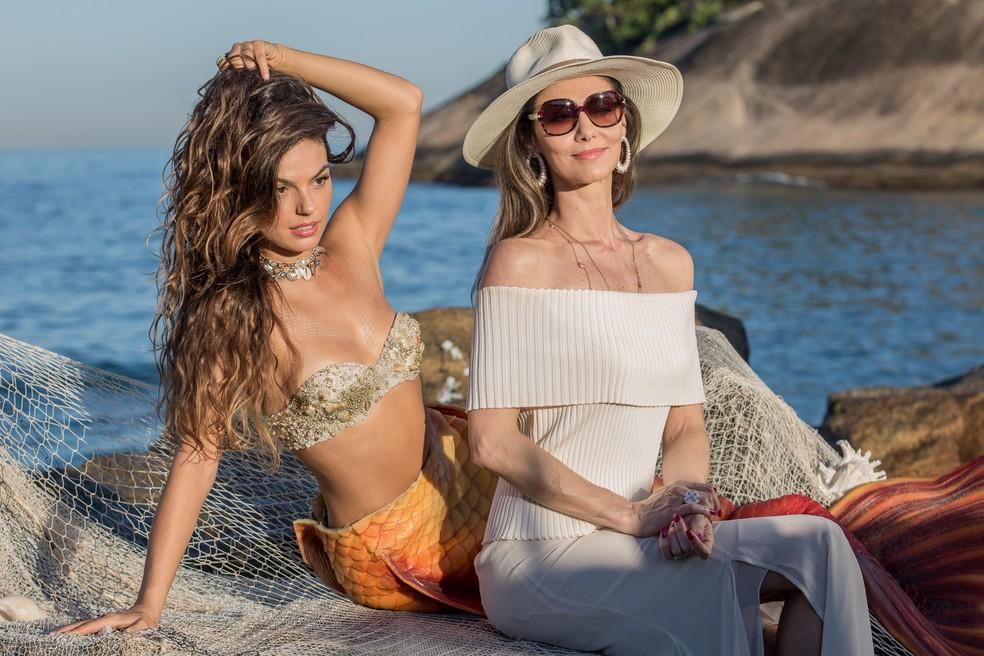 Ritinha e Joyce posam para fotógrafo na praia (Foto: Fábio Rocha/Gshow)