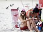 Anamara curte praia no Rio
