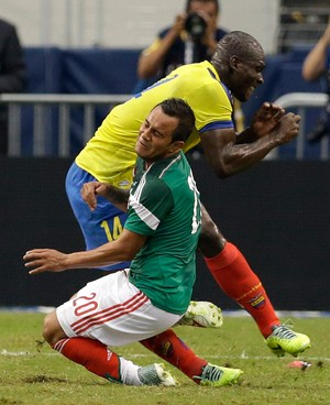 Luis Monte México x Equador (Foto: AP)