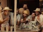 Veja Matheus Nachtergaele e Juliano Cazarré em cenas de 'Serra Pelada'