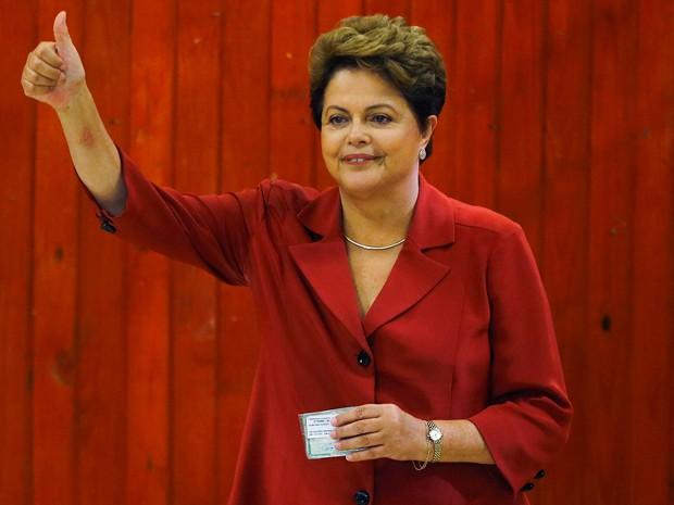 A presidente Dilma Rousseff depois de votar em Porto Alegre no segundo turno da eleição (Foto: Paulo Whitaker/Reuters)