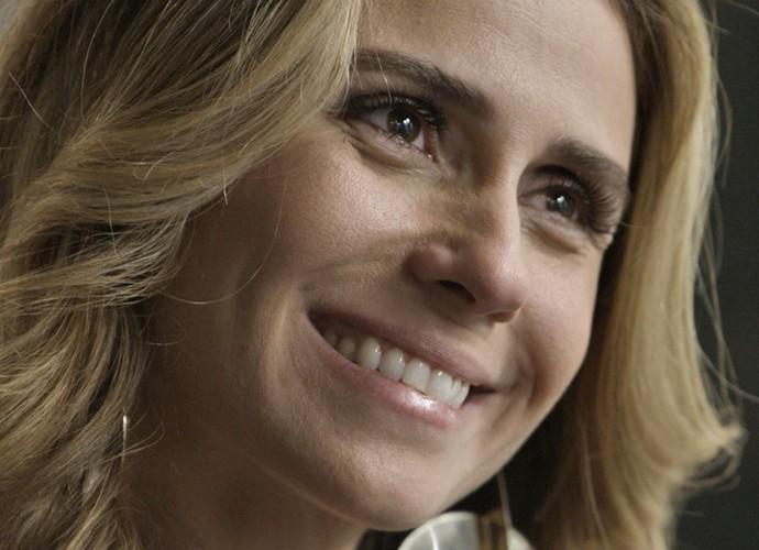 Atena sugere viajar com Romero (Foto: TV Globo)