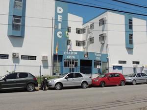 Sede da Deic reúne equipe responsável pela investigação (Foto: Janara Nicoletti/G1)