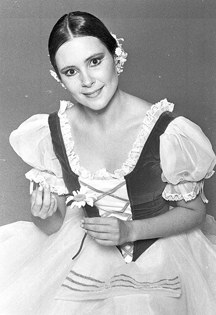 Catarina Limeira Brandão (Elizabeth Savalla)