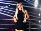 De vestidinho preto, Juju Salimeni curte a noite em São Paulo