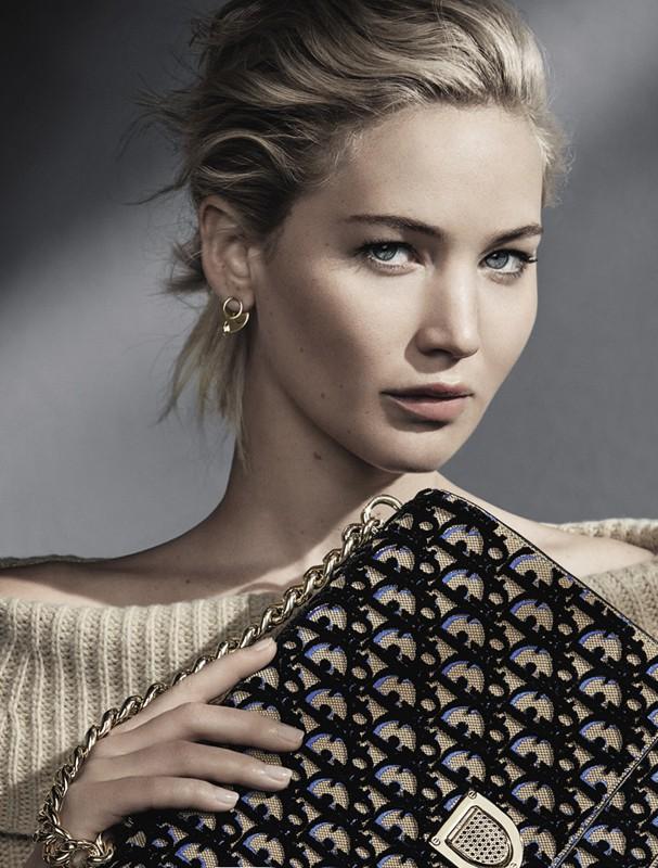 Jennifer Lawrence estrela nova campanha de bolsas da Dior