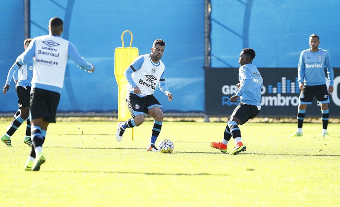 Maicon Grêmio (Foto: Lucas Uebel/Divulgação Grêmio)