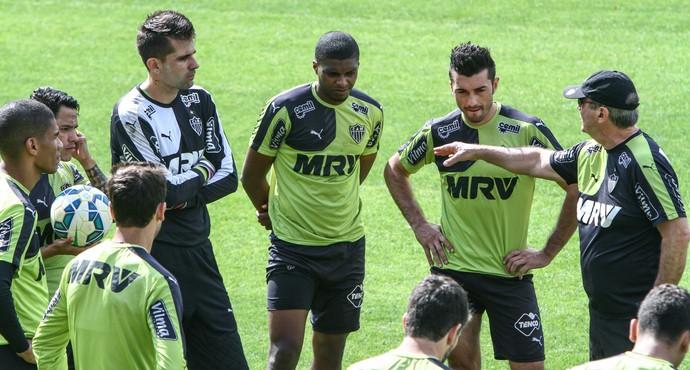 Victor, Jemerson, Dátolo e Levir Culpi em treino do Atlético-MG (Foto: Bruno Cantini/Atlético-MG)