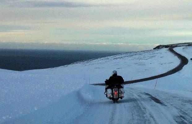 """Urs """"Grizzly"""" Pedraita estabeleceu novo recorde mundial para uma viagem de moto pelo mundo (Foto: Grizzly Race Team)"""