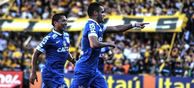 Renato Augusto corinthians gol criciúma série a (Foto: Eduardo Valente / Agência Estado)