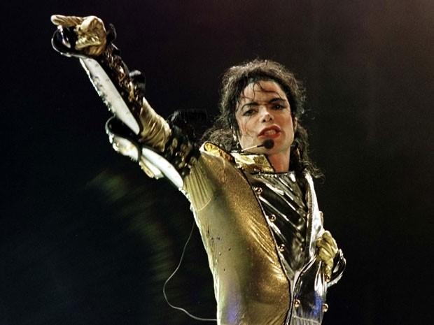 Michael Jackson durante show da turnê 'HIStory' em Viena, no dia 2 de julho de 1997 (Foto: Reuters/Leonhard Foeger)