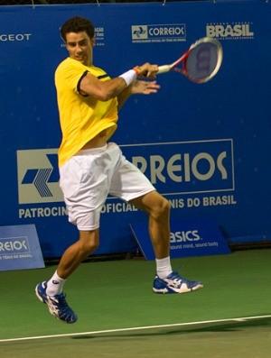 André Sá joga na Costa do Sauípe, tênis (Foto: Celso Pupo / Fotoarena)