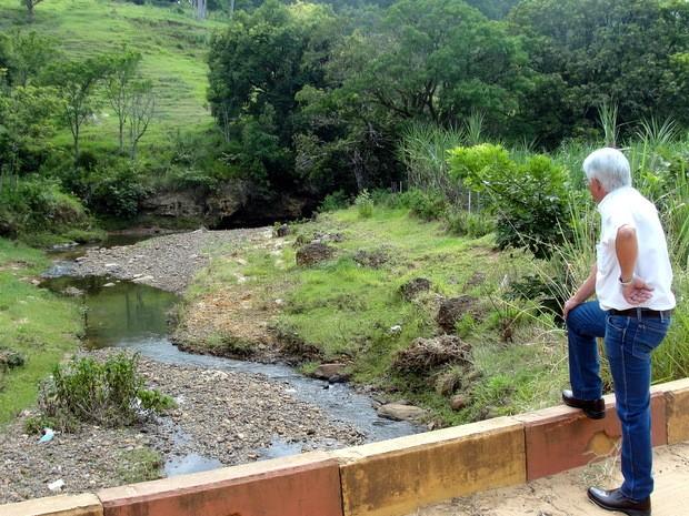 Racionamento de água em São Pedro - ponto de captação do Rio Pinheiros (Foto: Daniella Oliveira/Prefeitura de São Pedro)