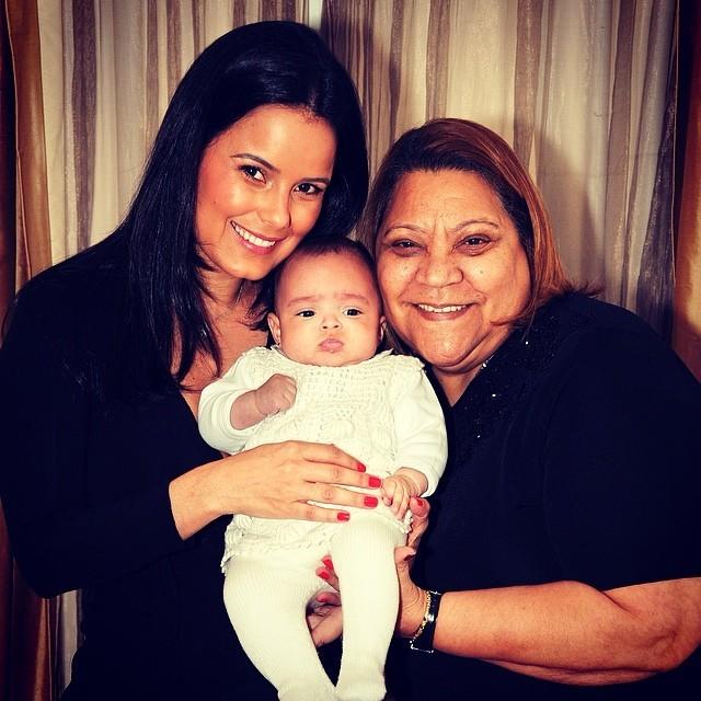 Luciele Di Camargo com a filha e a sogra (Foto: Instagram / Reprodução)