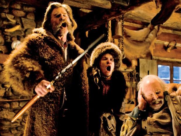 Kurt Russell, Jennifer Jason Leigh e Bruce Dern em cena de 'Os oito odiados', de Quentin Tarantino (Foto: Divulgação)