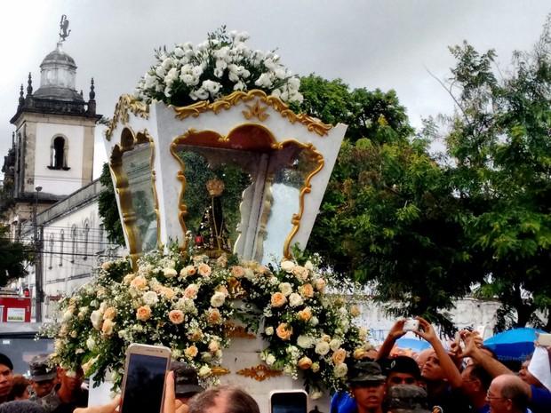 Imagem Peregrina de Nossa Senhora Aparecida vai ficar na Catedral Basílica de Nossa Senhora das Neves, onde poderá ser visitada pelos fiéis (Foto: Felipe Ramos/G1)