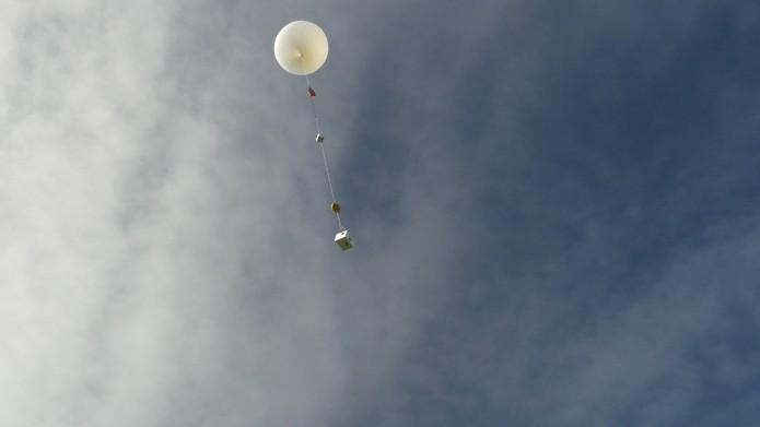 Balão equipado com câmeras fez registro de viagens a até 27 km de altitude (Foto: Reprodução/Night Crew Labs)