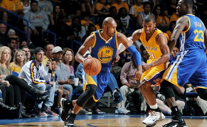 Leandrinho marcou seis pontos em amistoso do Golden State com LA Lakers (Foto: Getty Images)