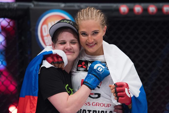 Anastasia Yankova e Anjela Pink (Foto: Divulgação Bellator MMA)