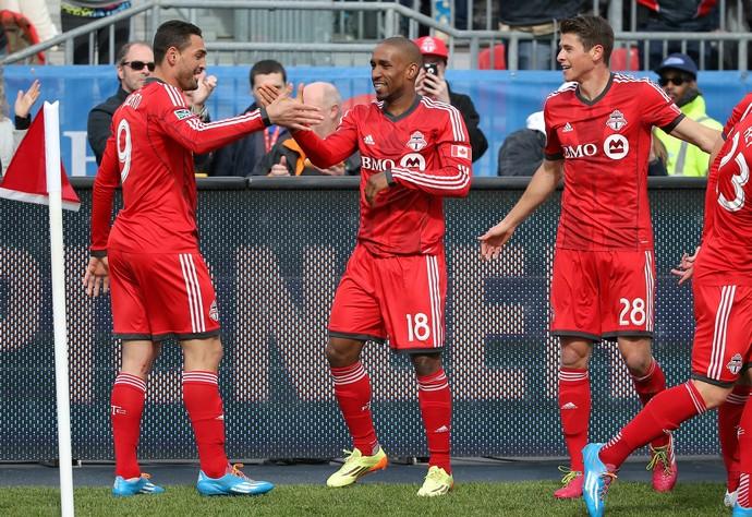 Defoe comemra gol do Toronto FC contra o New York RB (Foto: Reuters)