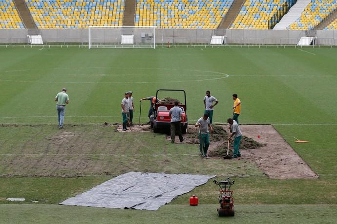 Maracanã agiliza troca de grama danificada (Foto: Divulgação Maracanã)