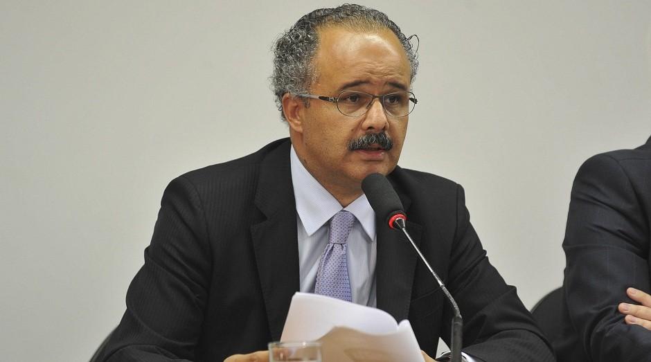 Relator na comissão especial da reforma política na Câmara, o deputado Vicente Cândido (PT-SP) (Foto: Agência Brasil)