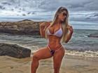 Denise Rocha mostra corpo perfeito em fotos de biquíni