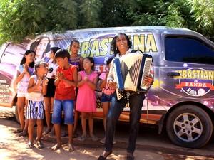 Sanfoneira é uma das figuras mais queridas da cidade de São Raimundo Nonato (Foto: Gustavo Almeida/G1)