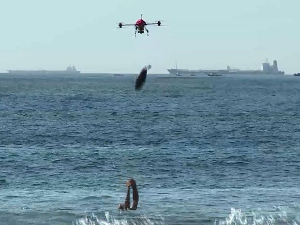 Drone vai soltar boia próximo de quem estiver se afogando (Foto: Reprodução/ Corpo de Bombeiros)