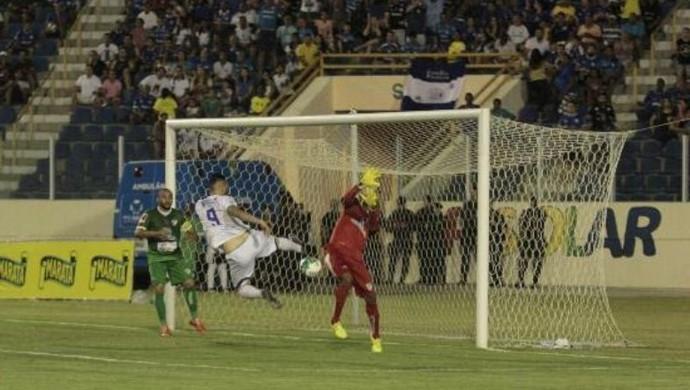 Confiança, Salgueiro, Tiago Silvy, Batistão (Foto: Ormar Rios / GloboEsporte.com)